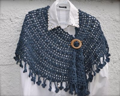 Crescent Moon Shawl Free Crochet Pattern : Lifes a Stitch : Danish Moon